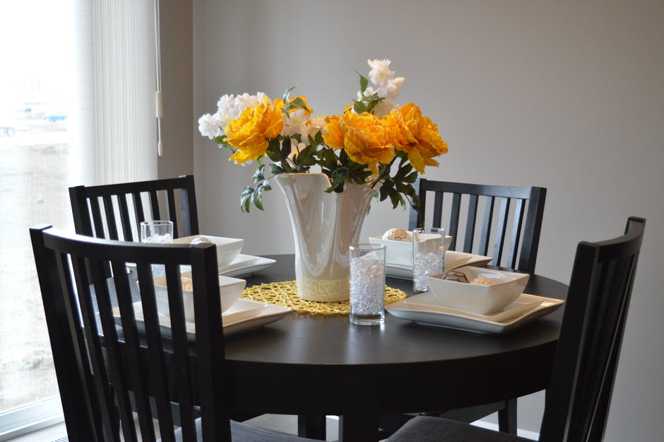 flower for dining table arrangement