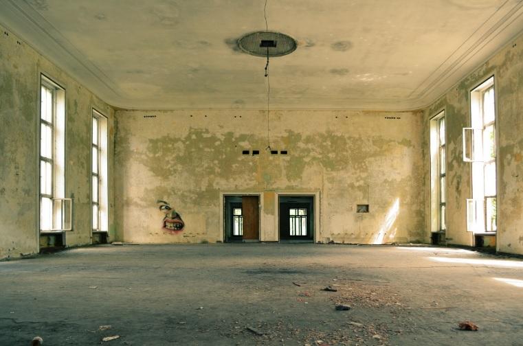 old empty room