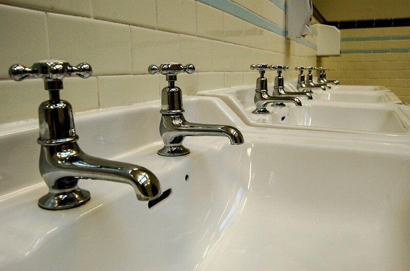 dual faucet sink