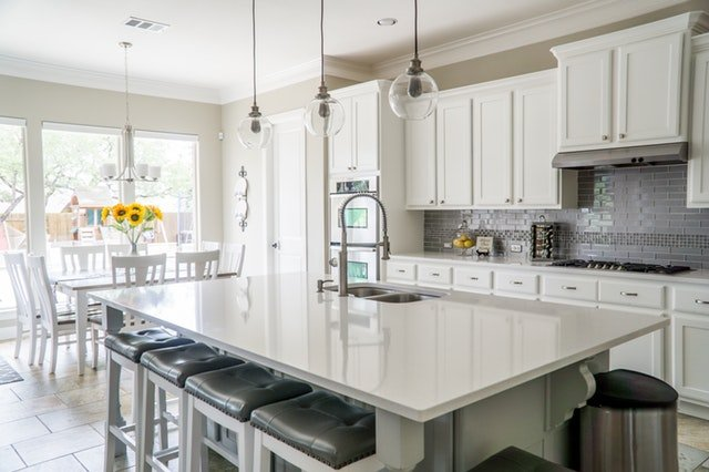 Popular Kitchen Layout Designs and Their Major Pros and Cons