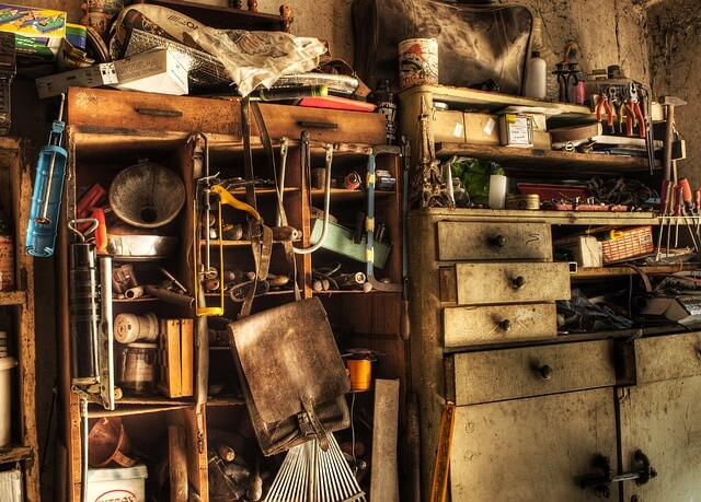 How to Deal with People Having Hoarding Disorder - KUKUN