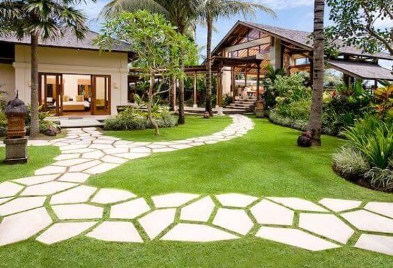 Good Asymmetrical Paving Patterns In Garden