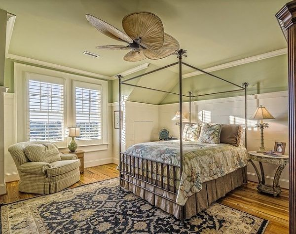 colonial bedroom