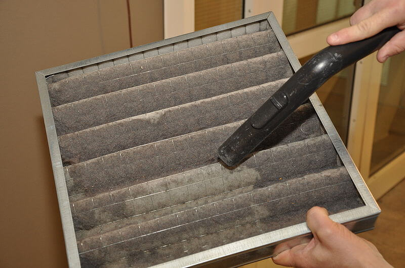 cleaning air filter