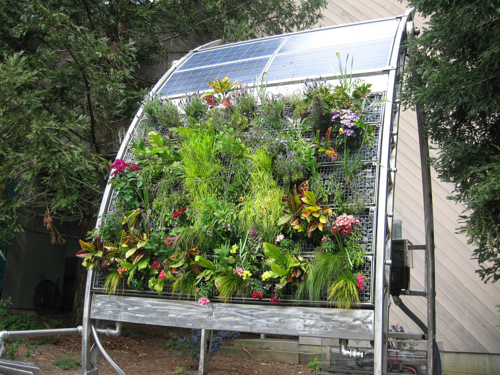 solar vertical gardening