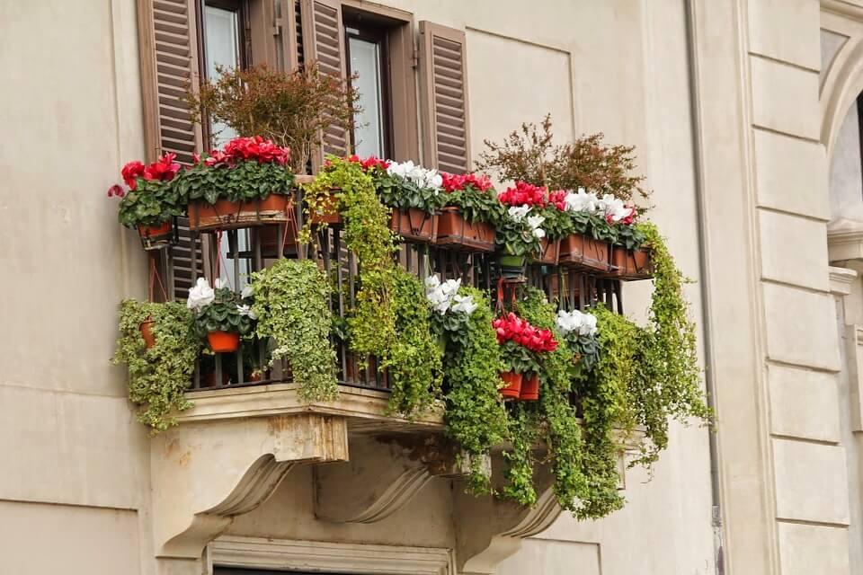 balcony-planters