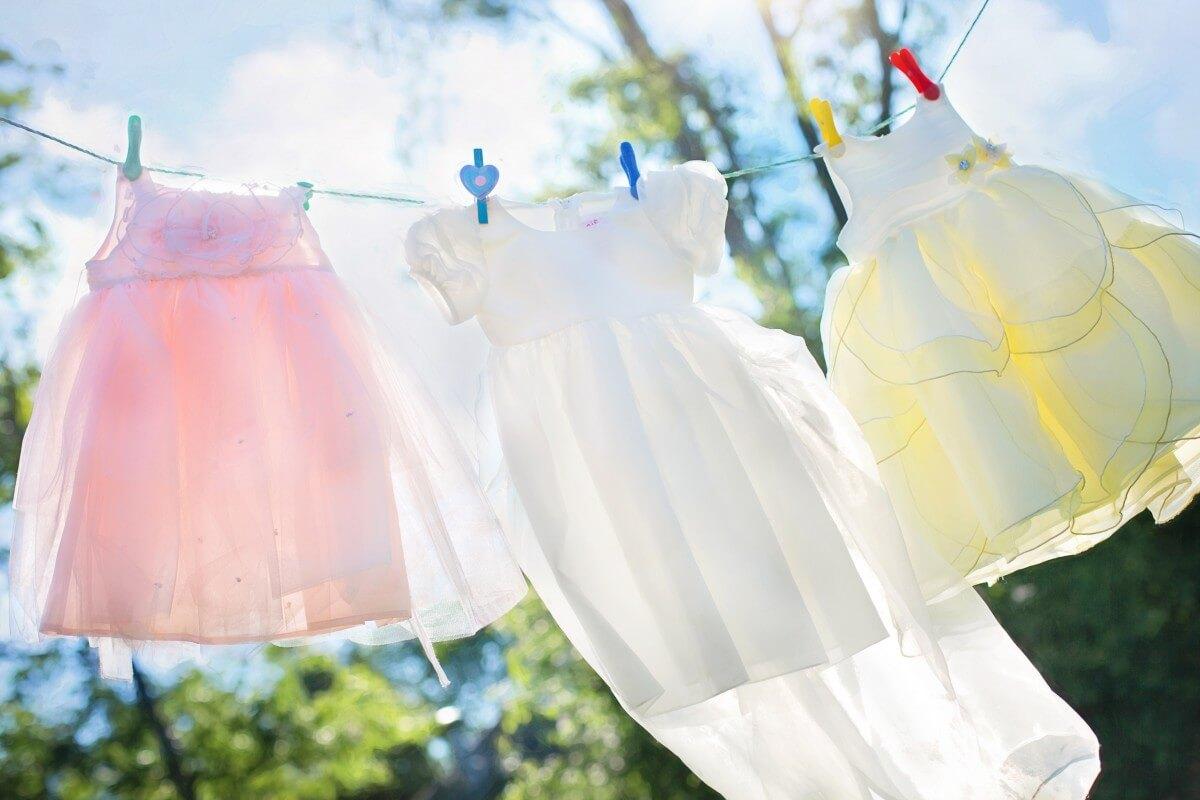 outdoor clothesline