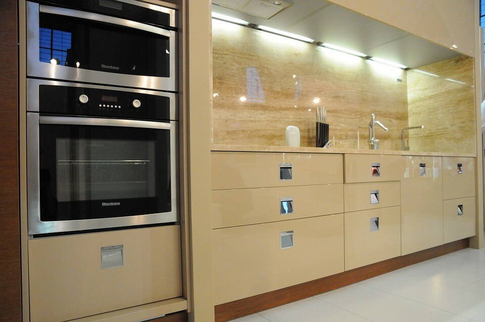 Wall-mounted ovens
