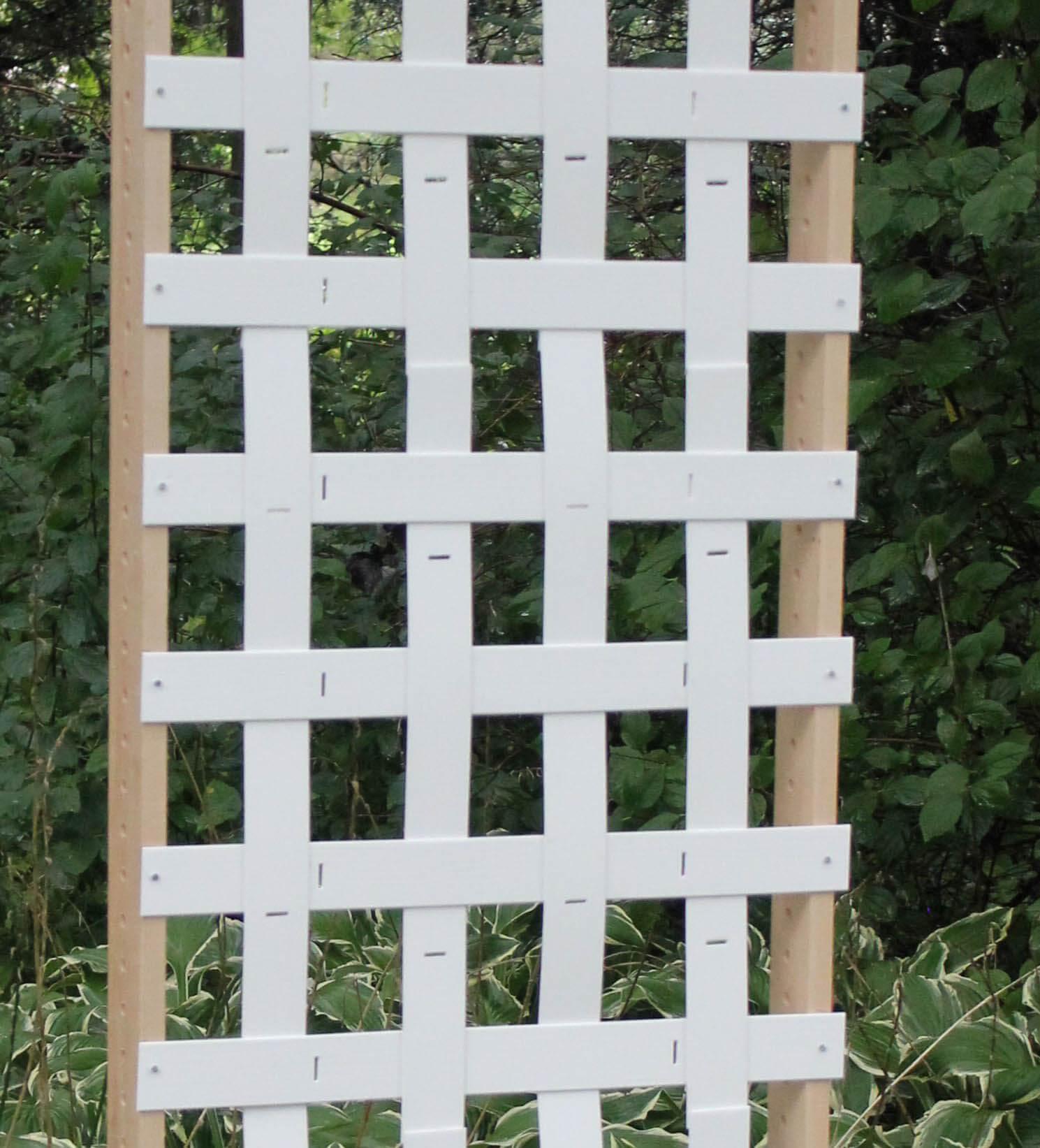 how to install a garden screen
