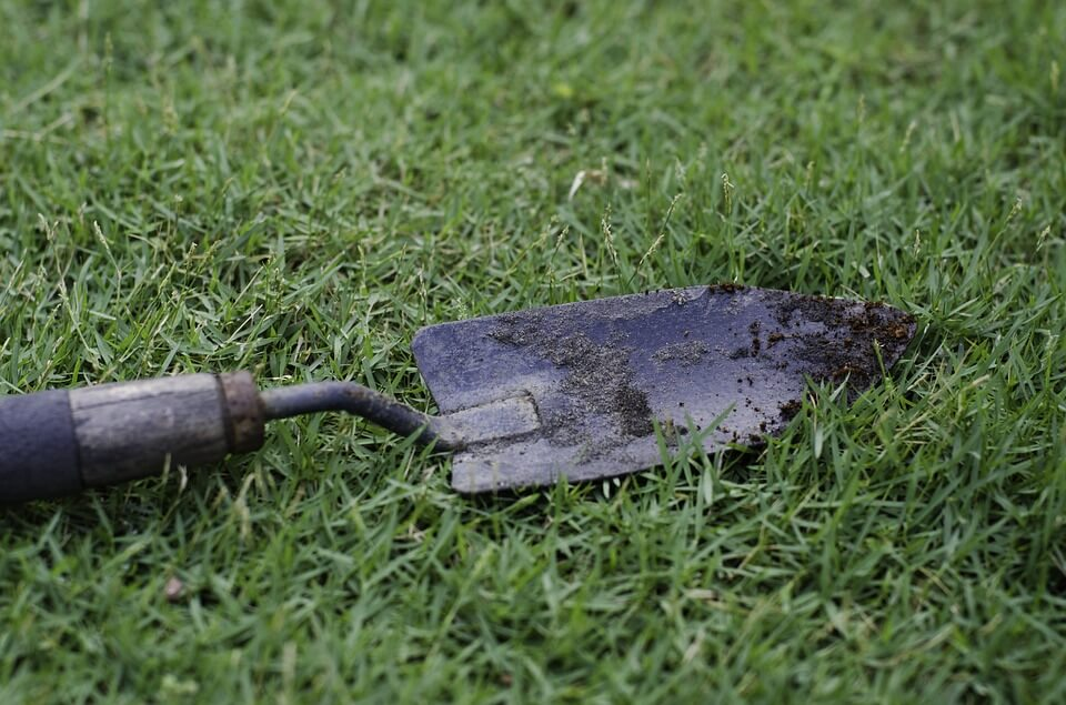 trowel gardening tool