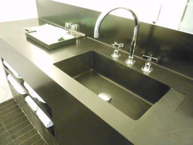 Vanity sink