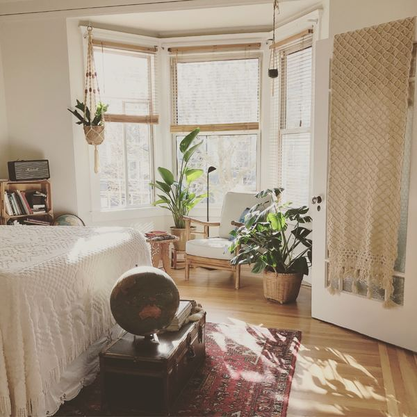 how to create a feng shui bedroom a complete guide  kukun