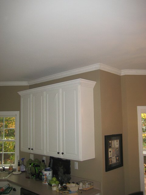 kitchen crown molding cabinet