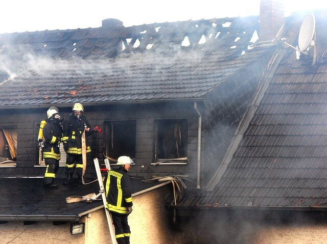 Ways to Mitigate Roof Damage after a Fire