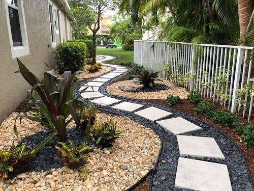 gravel front walkway (1)