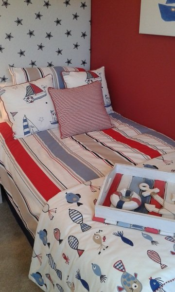 Red children's bedroom