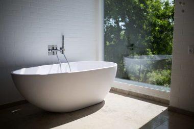 bathtub materials