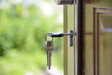 5 Ways to Ensure Better Front Door Security