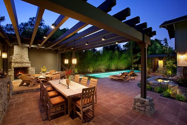 outdoor dwelling area