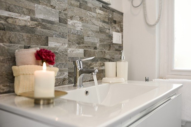 16 Beautiful Small Bathroom Decorating Ideas To Inspire You