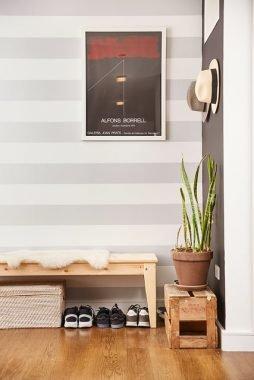 Utilitarian foyer design