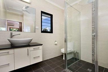 How to Design a Small Ensuite Bathroom