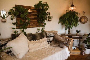 How to Decorate a Living Room on a Student Budget