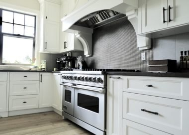The Pros and Cons of Backsplash Stickers for Your Home