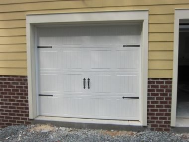 Garage seal door