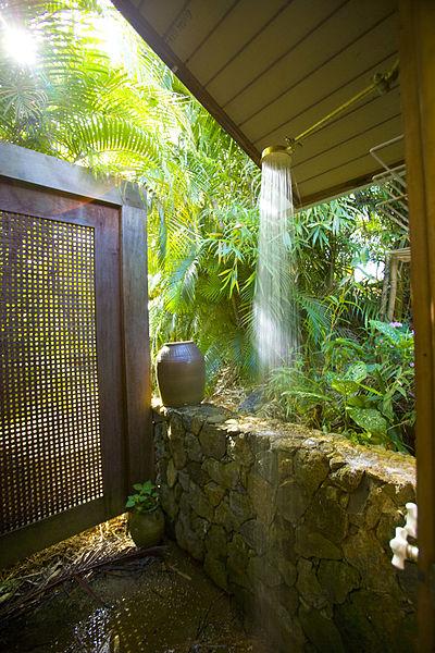 Classic backyard bath