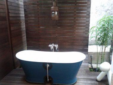 boutique bath