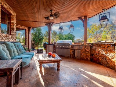 Simple Outdoor Kitchen Ideas Against Weather Conditions