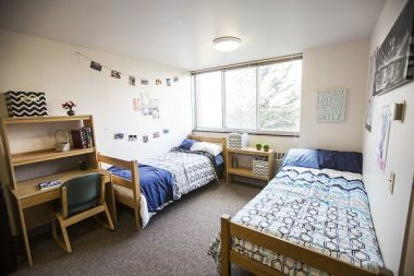 5 Ways to Transform Your Dorm Room into a Study Space