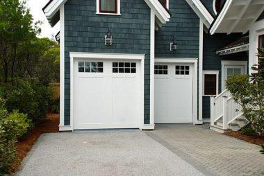 How to Choose the Right Garage Door Paint?
