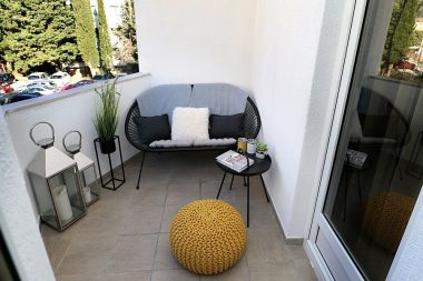 A Guide to Easy and Cozy Balcony Decoration Ideas