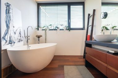 Easy and Efficient Ways to Ensure Bathroom Window Privacy