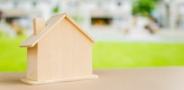 How to Decide Whether to Renovate or Buy a New House