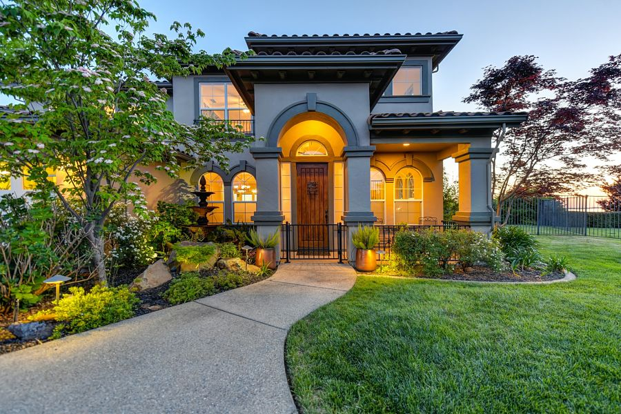 8 Ways to Enhance Curb Appeal on a Budget