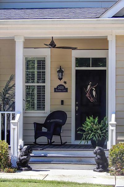 decor small porch