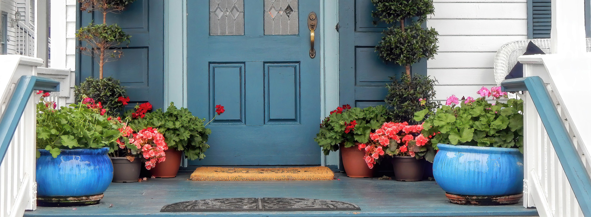 14 Simple Yet Practical Small Front Porch Ideas