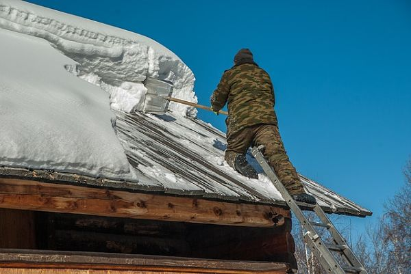 preventing ice dams on roof