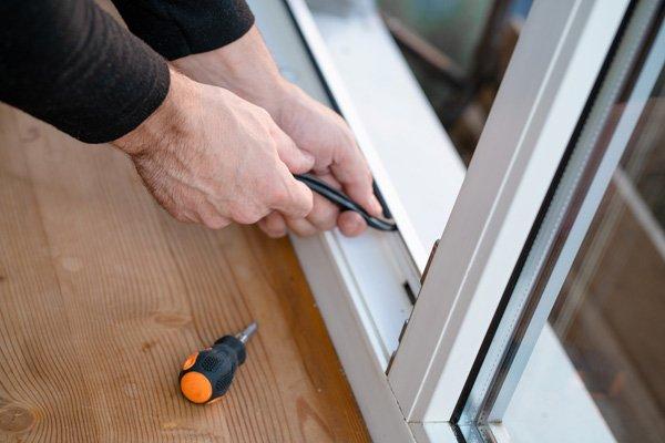 installing window sill
