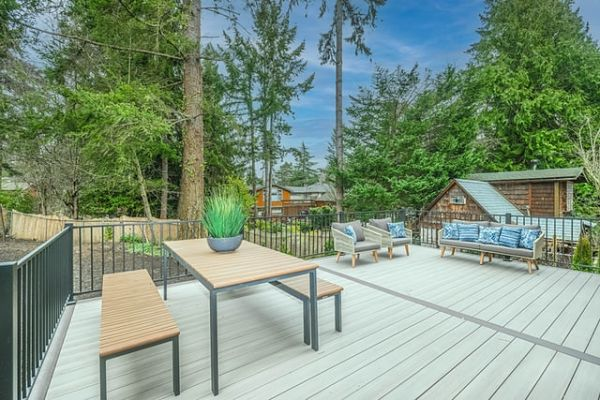 does a deck add value to a home