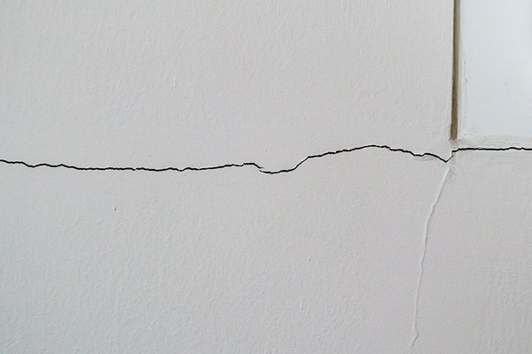 damaged foundation signs